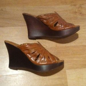 Very Volatile Tan & Gold Leather Wedge Sandals